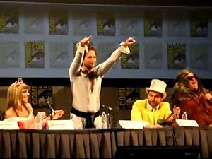 Always Sunny in Philadelphia Cast Sing Day Man at Comic Con
