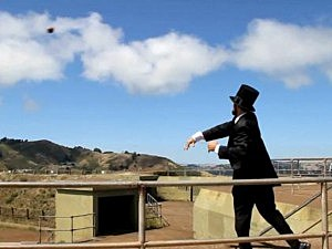 Abe Lincoln trick shot quarterback