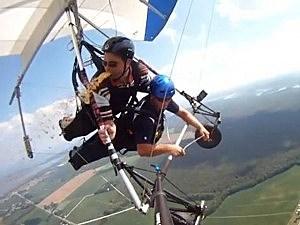 Hang-glider pukes