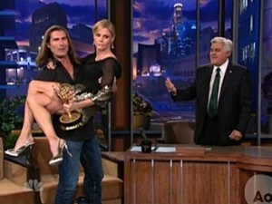 Fabio Lifts Julie Bowen