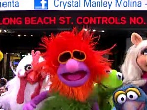Muppets Perform Mahna Mahna