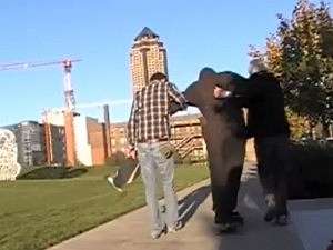Drake U. Students Help Homeless Man Skateboard