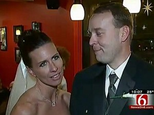 Couple Married at Starbucks