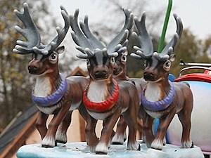 reindeer santa sleigh