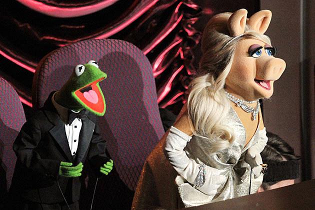 Miss Piggy, Kermit 2012 Oscars