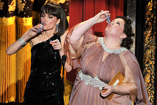 'Bridesmaids' drinking 2012 Oscars
