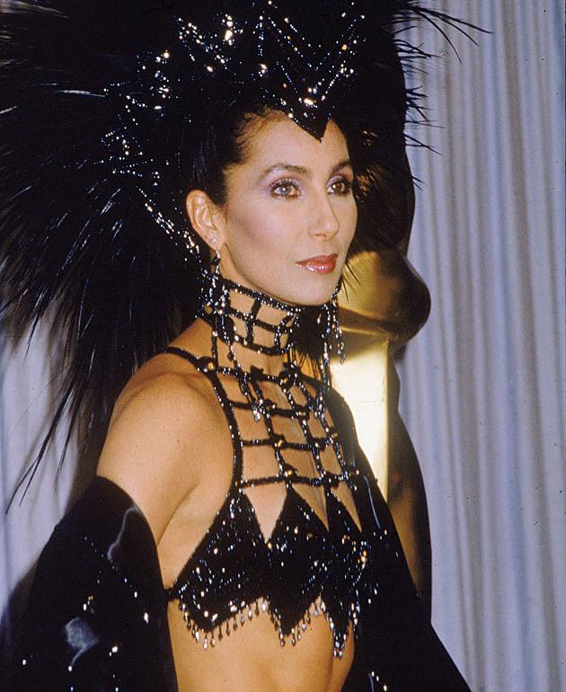 Cher's weird Oscars dress