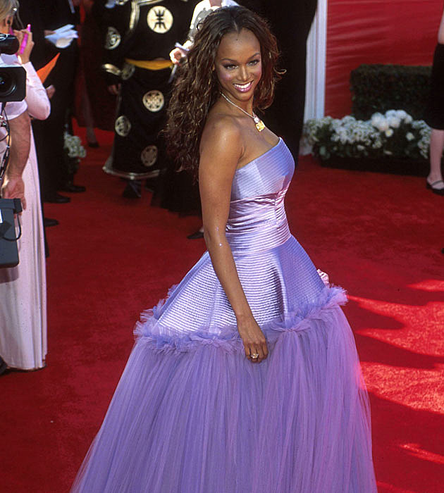 Tyra Banks' weird Oscars dress