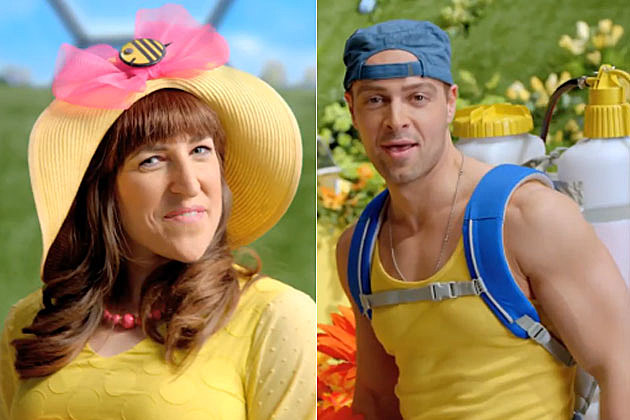 Mayim Bialik Joey Lawrence Old Navy