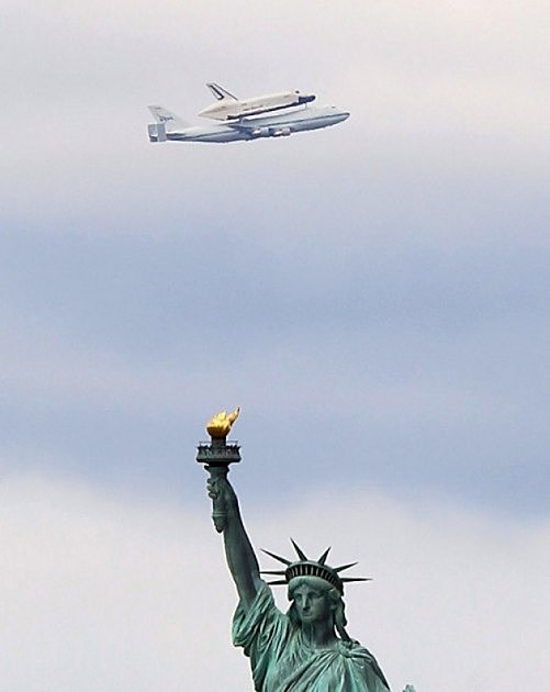 Statue of Liberty Space Shuttle