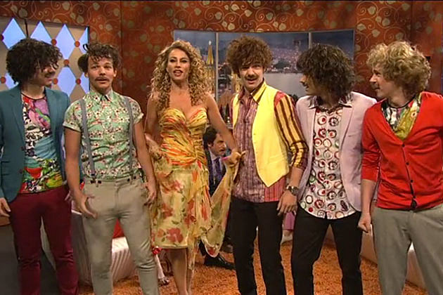One Direction on 'Saturday Night Live' With Sophia Vergara