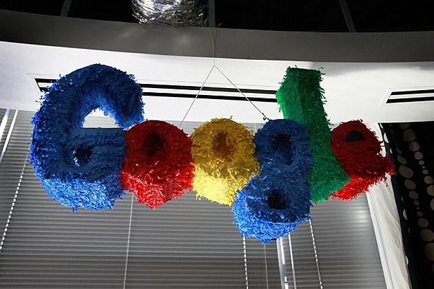 Google Logo Pinata