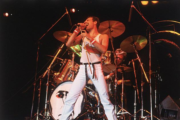 Freddie Mercury in concert in 1982
