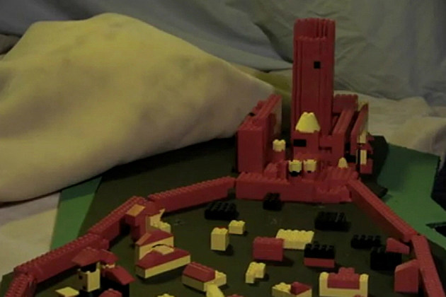 'Game of Thrones' Intro in LEGO