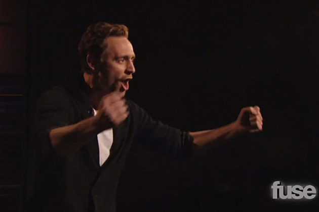 Tom Hiddleston does 'Henry V' monologue during an interview