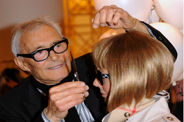 Vidal Sassoon working on his legendary bob cut
