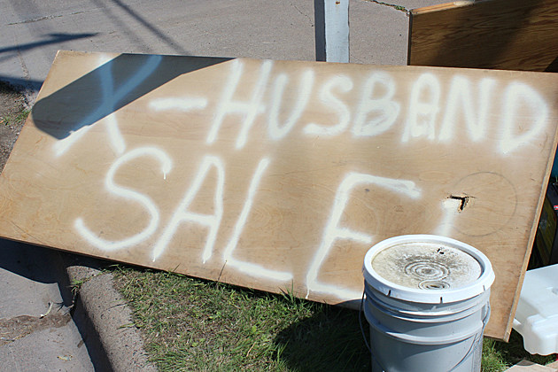 Woman in Superior, WI holds an ex-husband sale.