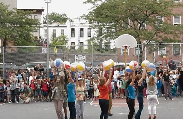 PS 10 Flash Mob