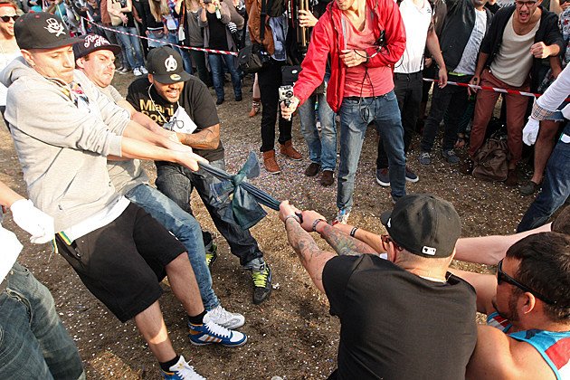 2012 Hipster Olympics - Skinny Jeans Tug-O-War