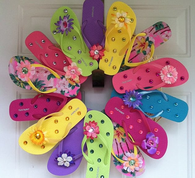 Etsy summer flip flop wreath