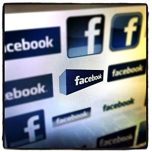 Facebook copyright status hoax