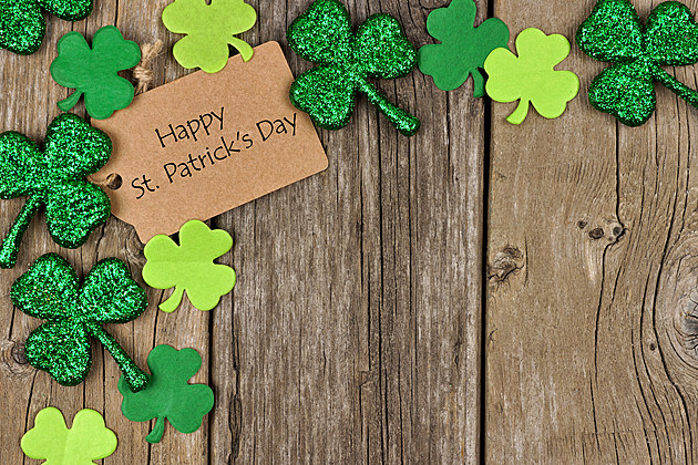 Happy St Patricks Day tag with shamrock corner border