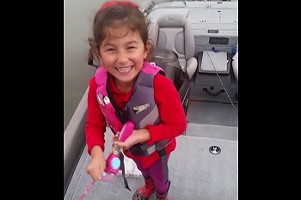 Little girl catches huge bass with barbie fishing pole for Little girl fishing pole