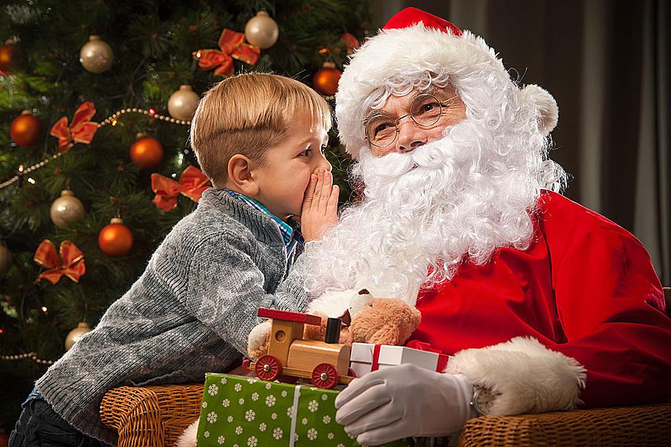 Pastor Wrecks Christmas, Tells Kids at Mall Santa Isn\'t Real